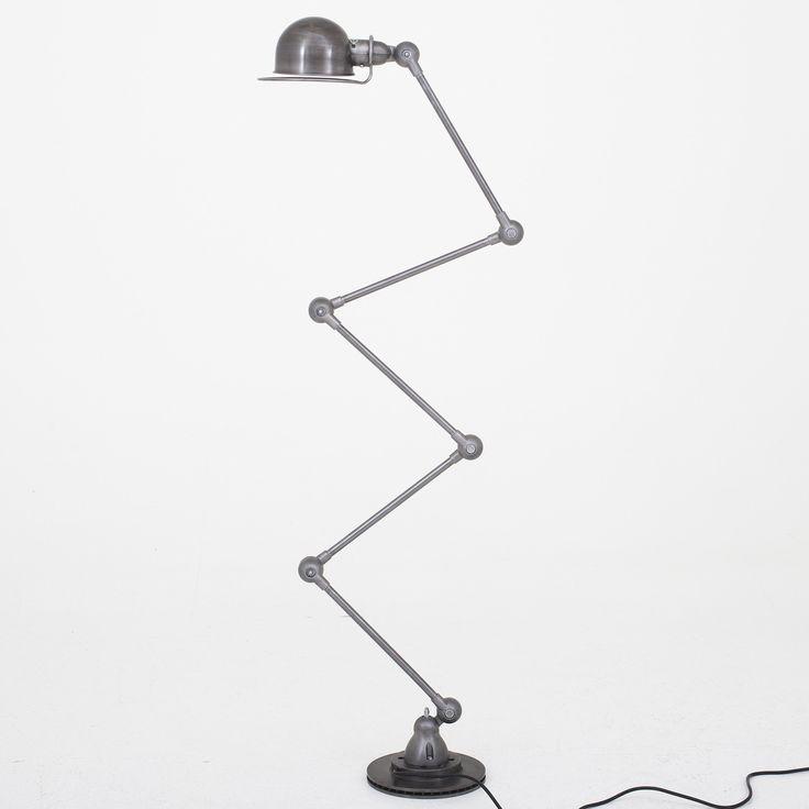 Floor lamp in metal