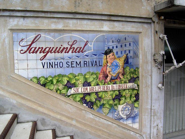 13.  2008.02 - antigo painel publicitário em azulejos