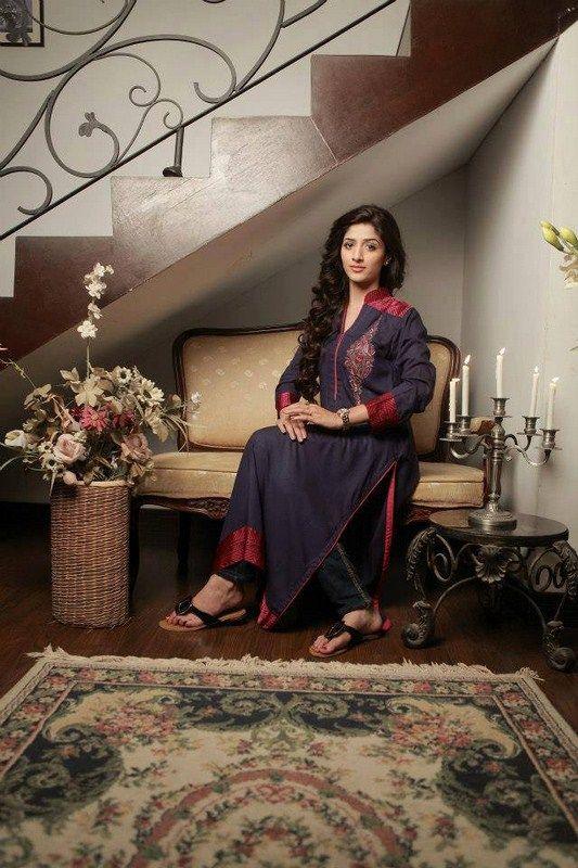 Mawra Hocane Photoshoot For Rani Siddiqui In Pakistani Dresses