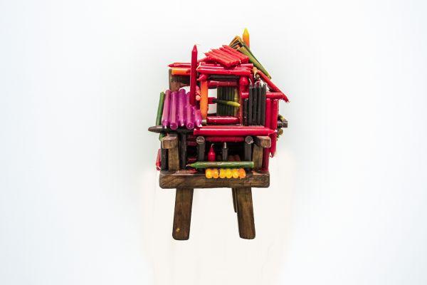 WAX. Chen Zhen. Un village sans frontiers, 2000. Legno e cera, cm 51x31x23. Foto Francesco Cuttitta. Francesco Pantaleone Arte Contemporanea / Wax
