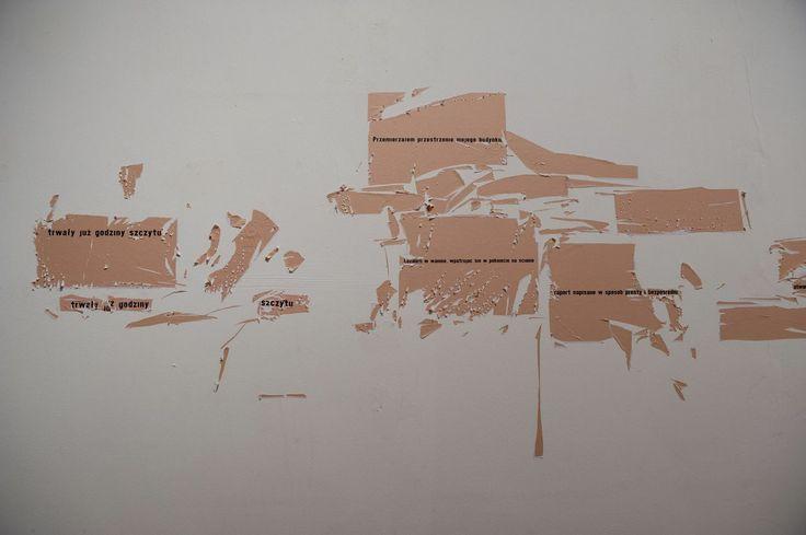 Co pozostaje, instalacja, 2013, Galeria BWA Sokół, Nowy Sącz, Fot. Marek Horwat. Nagrodę im. Jana Cybisa za rok 2013 otrzymała JADWIGA SAWICKA. Wystawa Laureatki planowana jest między 14 listopada a 11 grudnia 2014 roku w Galerii DAP w Domu Artysty Plastyka przy ul. Mazowieckiej 11a. http://artimperium.pl/wiadomosci/pokaz/184,nagrode-im-jana-cybisa-za-rok-2013-otrzymala-jadwiga-sawicka#.UxOoQfl5OSo