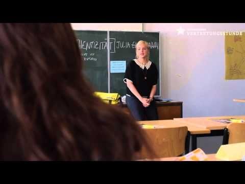 Vertretungsstunde mit Julia Engelmann - YouTube