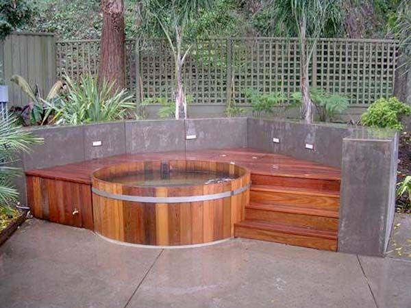 Lovely Cedar Outdoor Hot Tubs In Corner Backyard: Cedar Outdoor Hot Tubs In Corner  Backyard