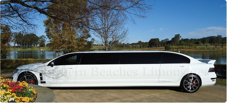 Hunter Valley Gardens & the HSV stretch limo on school formal duty