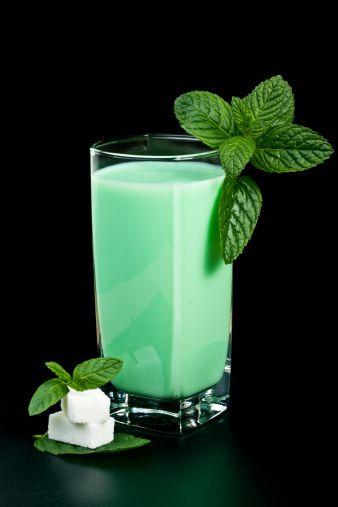 Liquore alla menta e latte