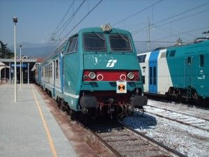 Tagli, soppressioni e pendolari scontenti: le ferrovie piemontesi a rischio collasso . #Piemonte #Torino http://www.mole24.it/2014/02/11/la-via-ferrata-del-disservizio-tagli-soppressioni-e-pendolari-scontenti-le-ferrovie-piemontesi-rischio-collasso/