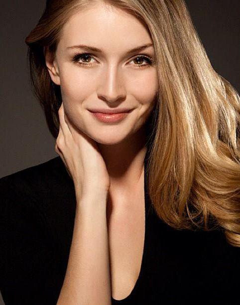 Turkish Actress - Yasemin Allen