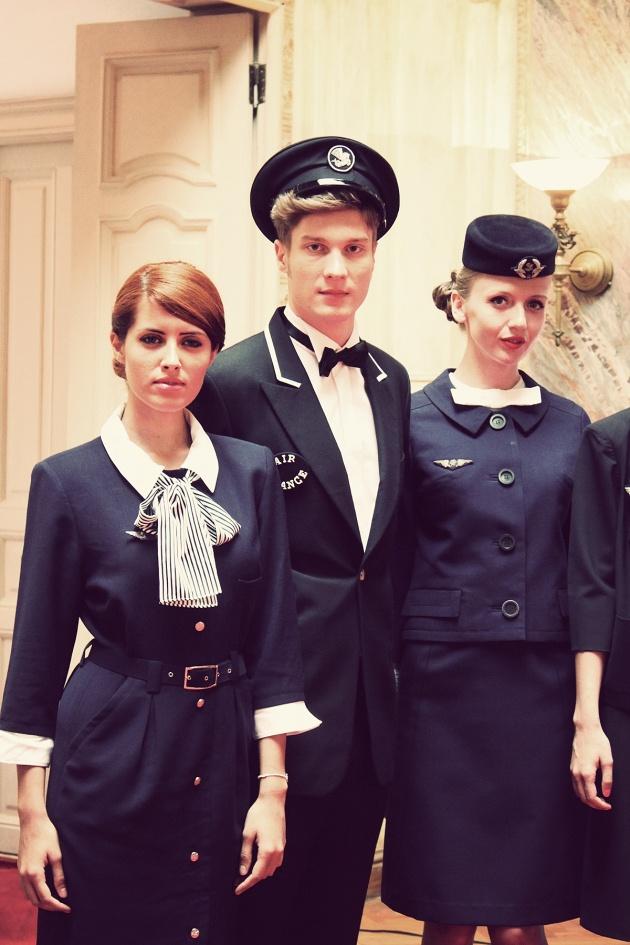 Elegance in the Sky colecția de uniforme vintage Air
