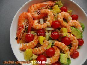 INSALATA DI GAMBERI, AVOCADO E MANGO: http://blog.giallozafferano.it/cucinaspagnola/insalata-di-gamberi-avocado-e-mango/