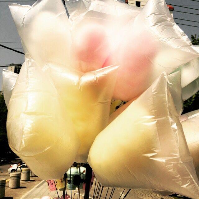 봄날은 가고 구름같은 솜사탕이.      #솜사탕 #봄 #사탕 #구름   #like #lifestyle #likecompany   #cottoncandy #candy