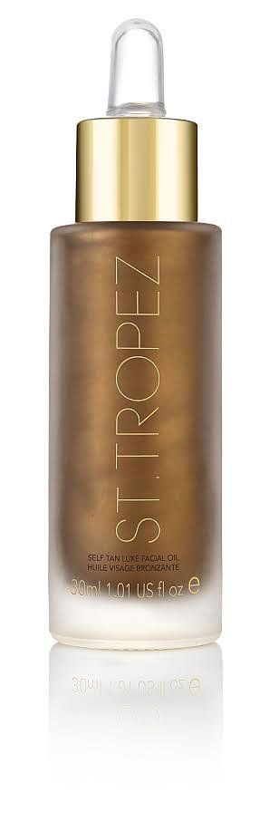 I love oils when it comes to my regular skin care routine, so of course I made St. Tropez Self Tan Luxe Fac...