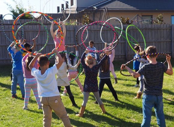 Bring lots of colour, laughter and active fun to your child's party with hula hoop dance, fun and games!