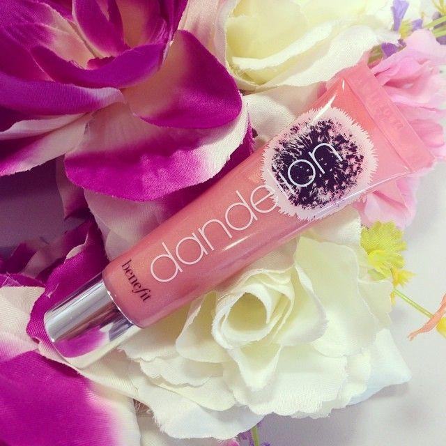 For the perfect pop of pink, look no further than our gorgeous dandelion ultra plush gloss! xx