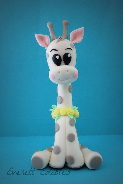 Baby Giraffe fondant cake topper decoration babyshower | by Everett Edibles