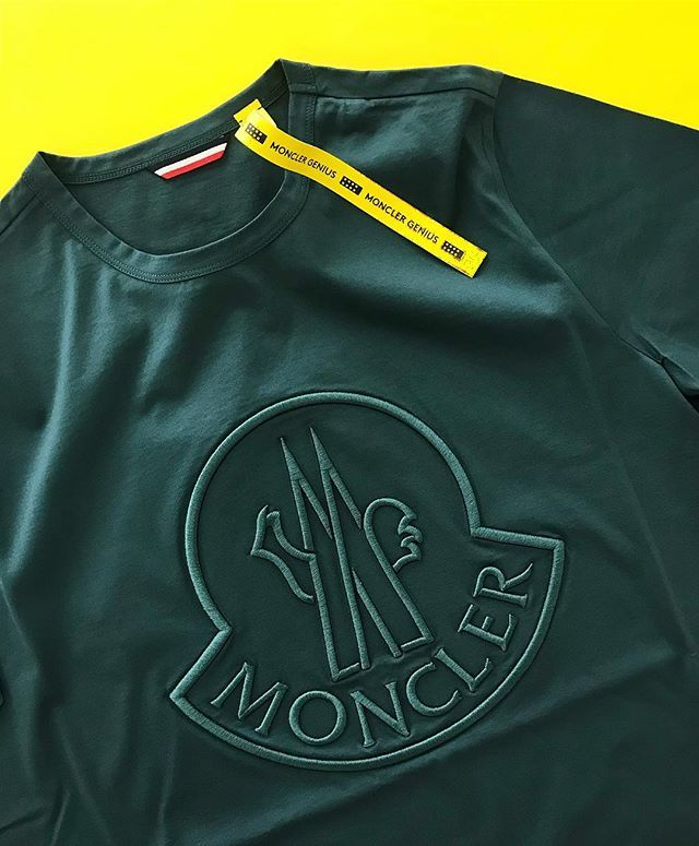 435614155 The Moncler Genius 1952 large embroidered logo t-shirt (195) is ...