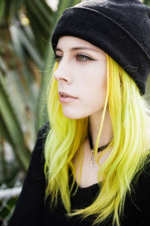 an example showing that yellow hair can look good too
