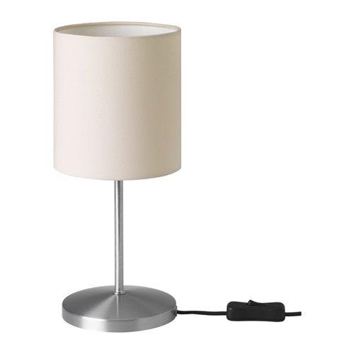 INGARED Asztali lámpa IKEA A textil lámpaernyő szórt és dekoratív fényt biztosít.
