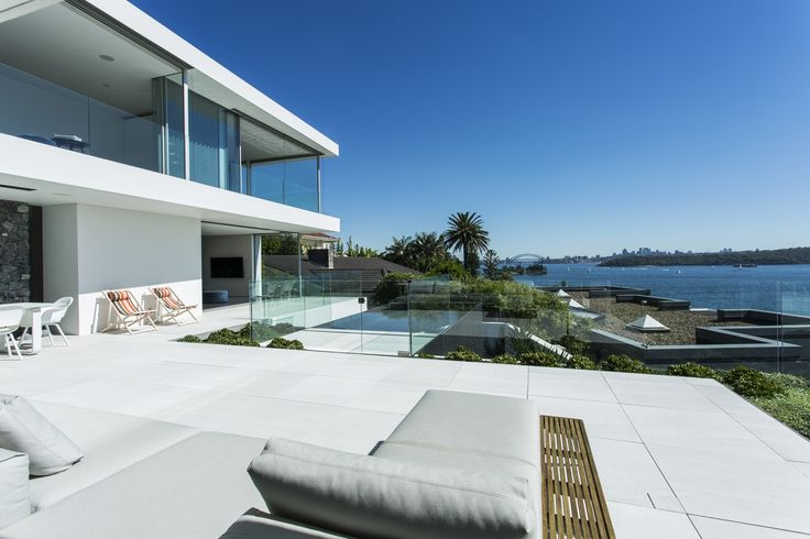 An architectural inspiration in idyllic harbour surrounds