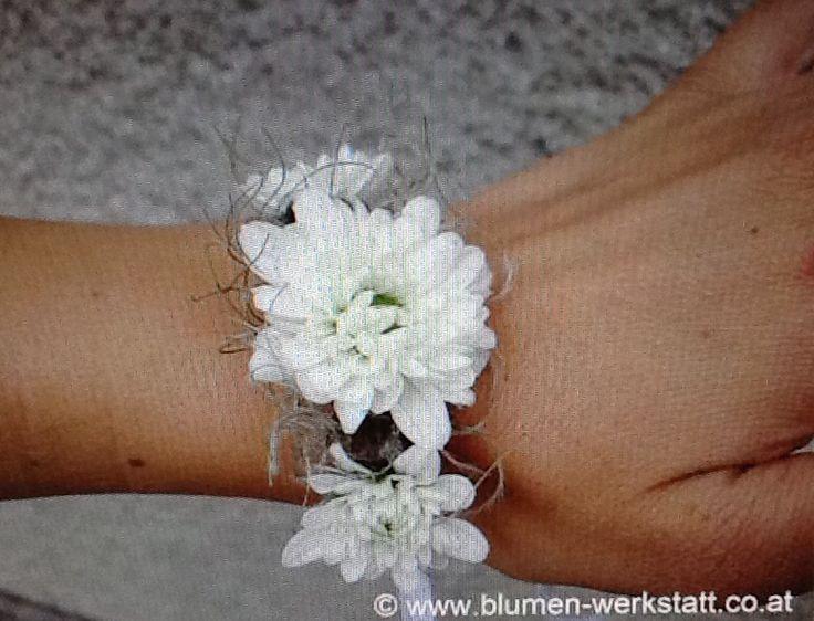 Blumenarmband