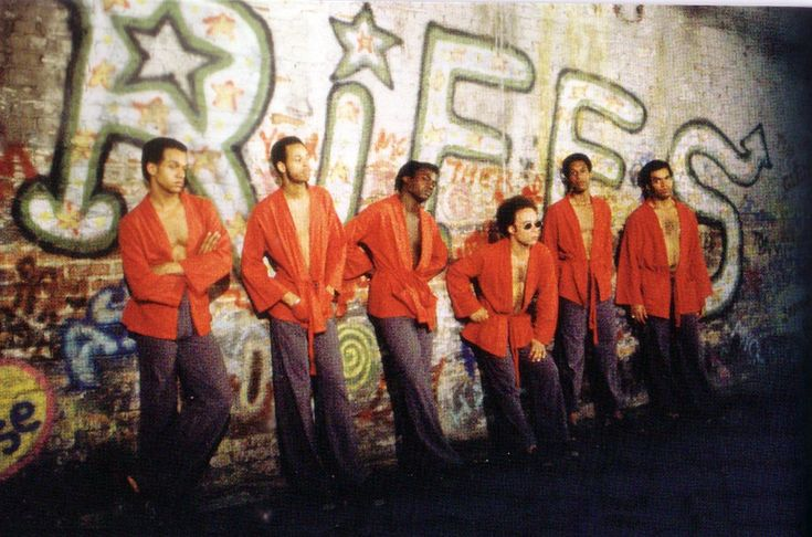 The Gramercy Riffs - The most powerful gang in New York, their leader Cyrus calls the summit at the beginning of the movie. They are based in Gramercy Park.