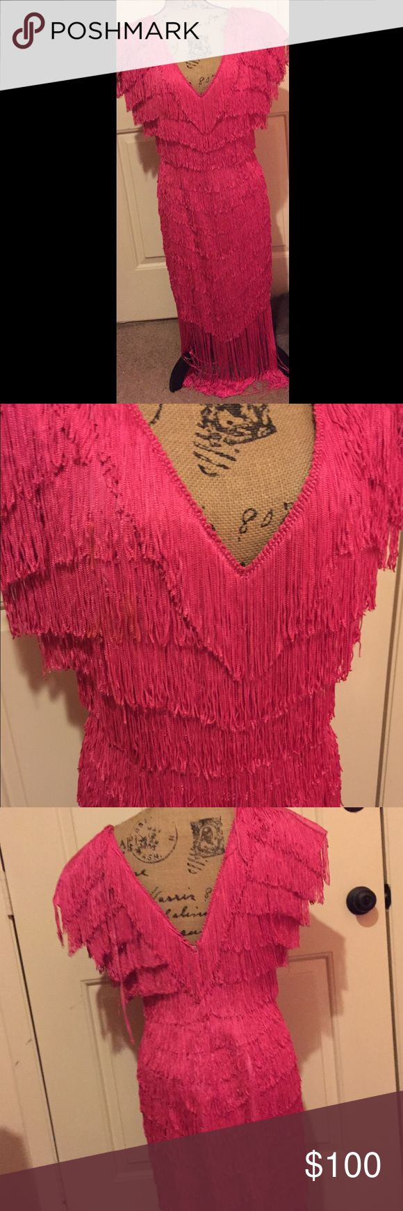 """TD4 by Eletra flapper dress Absolutely beautiful! Vintage inspired. Length is approx 32"""" not including lining or fringe.!Size 9/10. 👺NO TRADES DONT ASK! ✌🏼️Transactions through posh only!  😻 friendly home 💃🏼 if you ask a question about an item, please be ready to purchase (serious buyers only) ❤️Color may vary in person! 💗⭐️Bundles of 5+ LISTINGS are 5️⃣0️⃣% off! ⭐️buyer pays extra shipping if likely to be over 5 lbs 🙋thanks for looking! Dresses"""