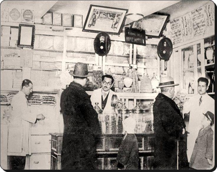 Eminönü - Hafız Mustafa Şekercisi - 1930'lar