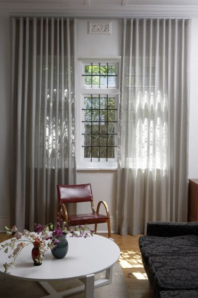 The Wave curtain combines function and form, giving a whole new look and feel to the old curtain track. Special header tape creates equally spaced folds, allowing the curtains to hang both uniformly and cleanly – and they slide easily on a range of tracking systems that are either hand-traversed, cord-drawn or motorised.