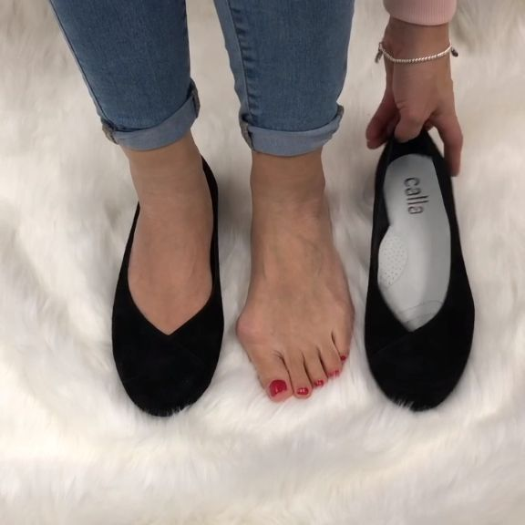 9f111cbae39 Stylish flats for women with bunions and wide feet. Comfort and conceal  your bunions in these ultra-comfortable shoes th…