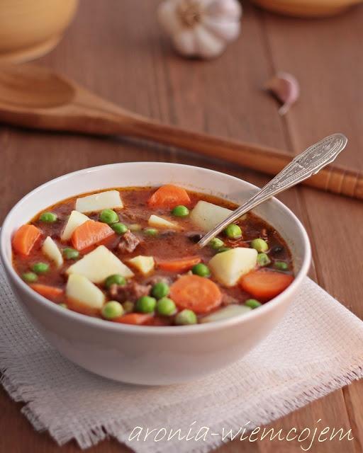 Wiem co jem - Zupa gulaszowa z ziemniakami