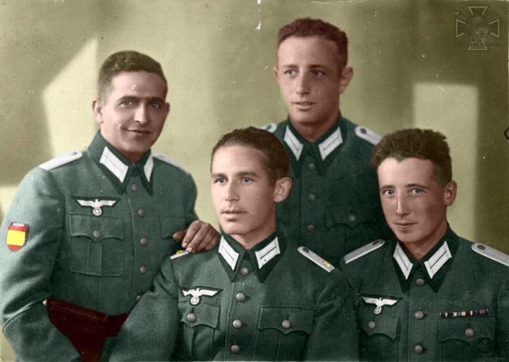 Gruppe der Offiziere der Blauen Division Posieren für ein Foto
