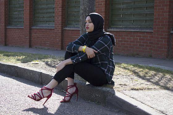 Get this look: http://lb.nu/look/7492812  More looks by Saima Chowdhury: http://lb.nu/saimachowdhury  Items in this look:  Zara Red Heels   #chic #edgy #grunge #hijab #summer #spring #zara