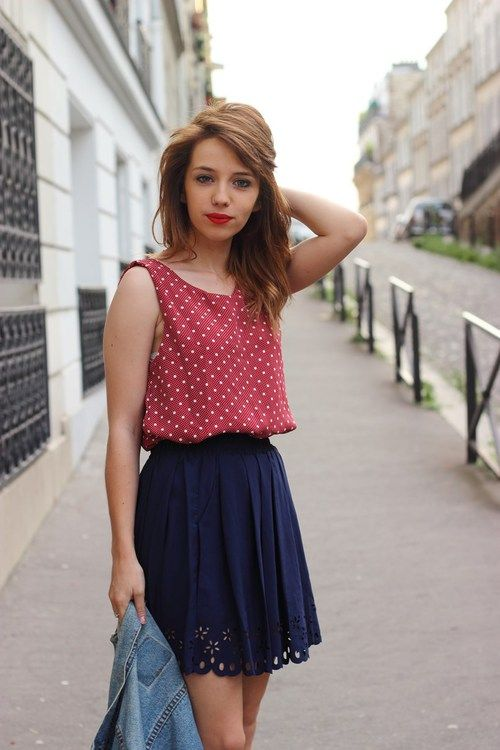 Truly loving the classic polka dot print paired with a flowy skirt