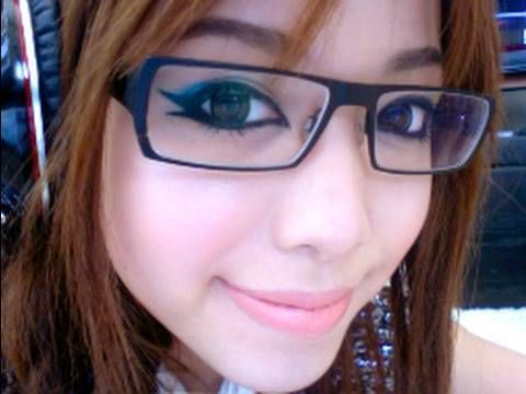 Chic Makeup For Glasses.  Glasses highlight dark circles. How to do makeup to highlight eyes.
