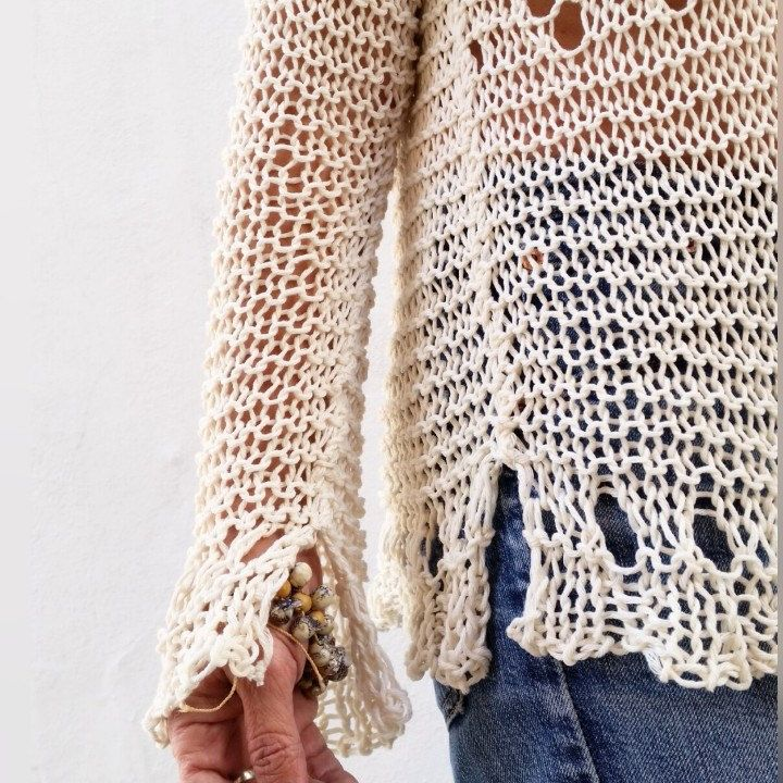 Lace cream sweater details!