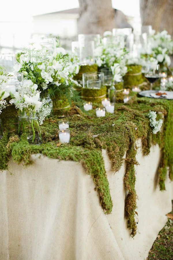 Rustic wedding centerpiece idea; photo: Kent Bristol