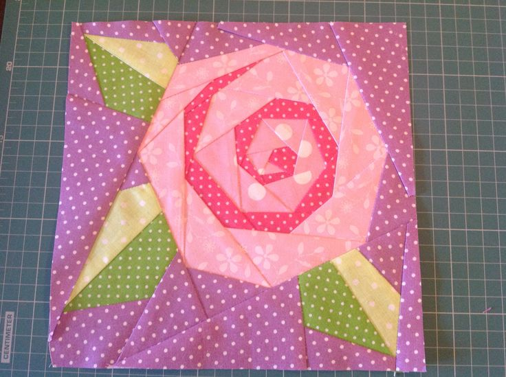 Paper piecing rose