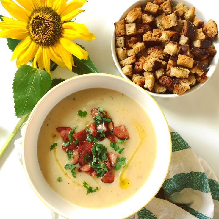 Nie wiedzieć czemu zupa zawsze kojarzyła mi się z długim czekaniem na obiad i sporą ilością niepotrzebnej zabawy w kuchni. Do zup zniechęca mnie też ambiwalentny stosunek mojego lubego, któremu rze…