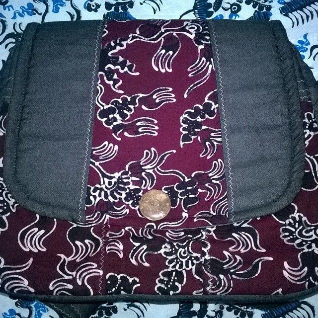 Masih tas batik Gedog Tuban. Harga sama dengan sebelumnya….