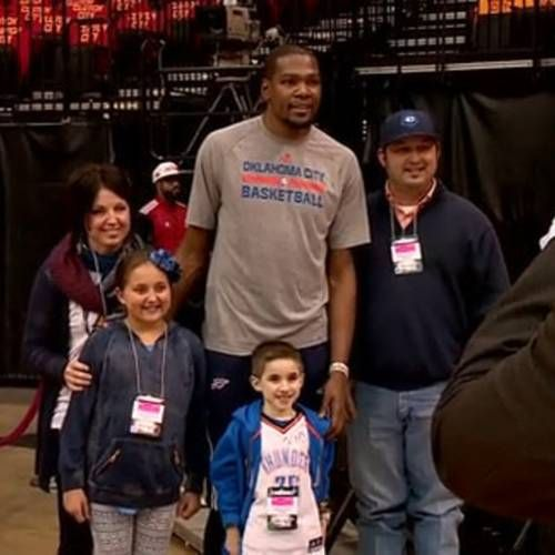 Eight-year-old Jhett Skaggs, an Oklahoma native who is waiting for his second heart transplant in Houston, had a chance to meet his favorite player Kevin Durant.    Skaggs' family lives in Oklahoma, but he and his father are living in Houston while Jhett awaits a donor heart. That provide him the opportunity to meet Durant when the Thunder came to town Thursday.