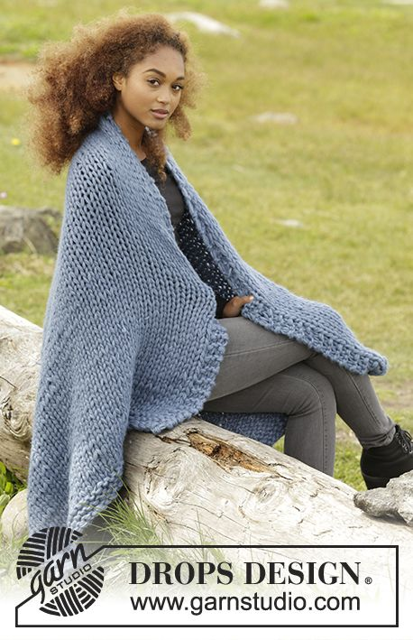 Knitted blanket with stockinette st and garter st in 5 strands DROPS Air. Free pattern by DROPS Design.