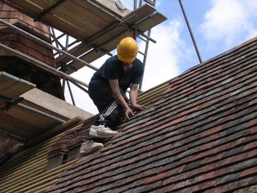 http://www.jandjroofingandbuilding.com/  We work to a high standard to ensure you get top roofing services.  Silver Copse, Oxford Road, Frilford Heath, Oxford, OX13 5NW