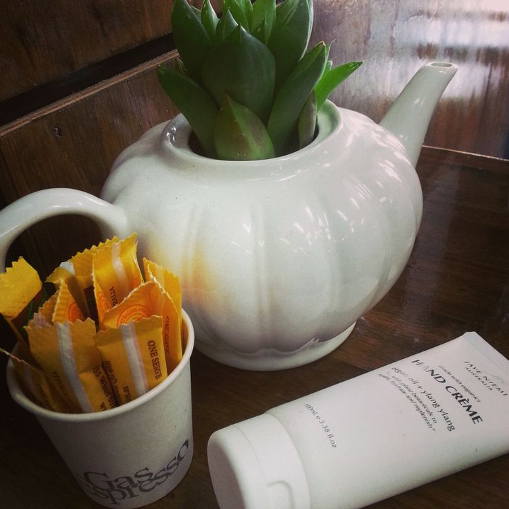 Waiting for coffee is a great time to nurture your hands with our organic Argan Oil + Ylang Ylang Hand Creme by Jaye Niemi Australia. #jayeniemi #handcream #organic #australianmade #ylangylang  www.shopjayeniemi.com