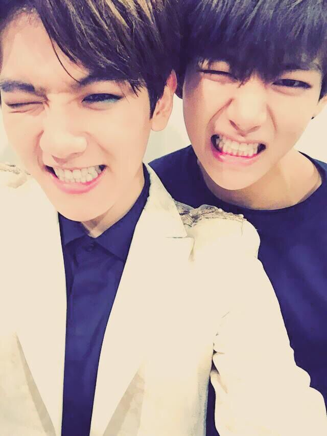 Baekhyun with V (Taehyung) of BTS | 141204 bts_twt Twitter Update