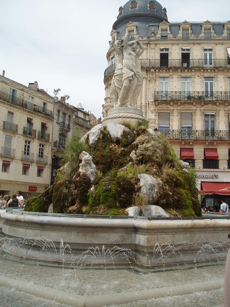 Sculpture des Trois Grâces - Place de la comédie