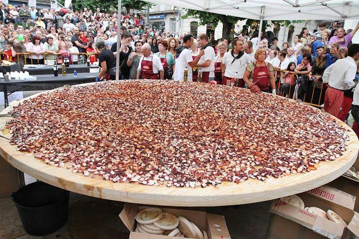 Fiesta del pulpo O Carballino.... #recordguinnes