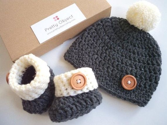 New baby gift set Crochet baby gift Newborn hat and shoes set