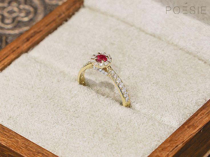 O diamante é a pedra mais desejada para anéis de noivado, no entanto, algumas pessoas preferem adicionar um pouco de cor a esta joia tão especial. Além da