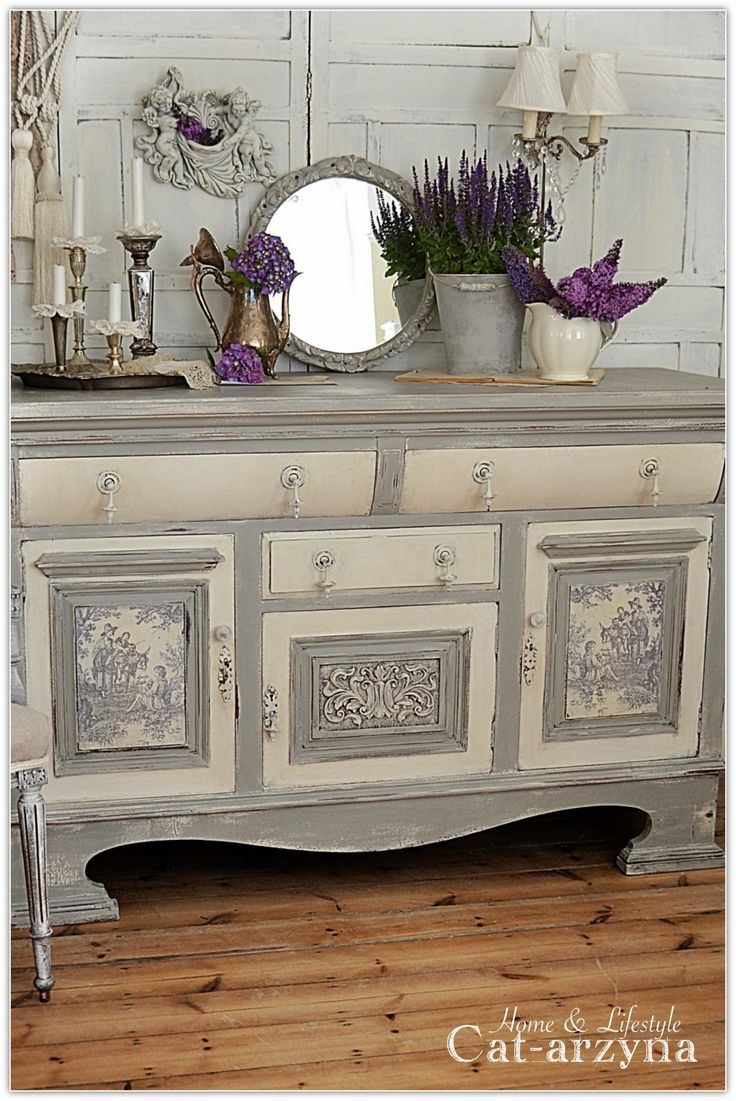 Cat-arzyna: Grey Toile de Jouy sideboard