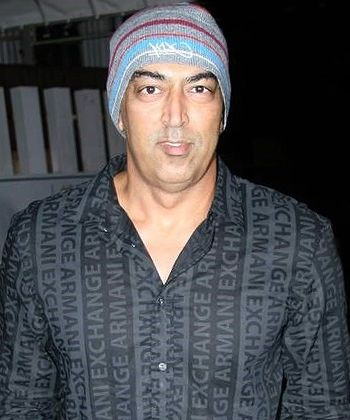 Vindoo Dara Singh loses role in Kick and Humshakals due to betting controversy! - http://www.bolegaindia.com/gossips/Vindoo_Dara_Singh_loses_role_in_Kick_and_Humshakals_due_to_betting_controversy-gid-36780-gc-6.html