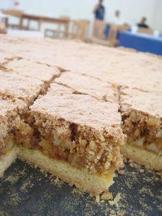 Una torta secca di quelle che si conservano nel tempo... se riuscite a non mangiarla!!! Federica Pozzi ci spiega come fare la sua torta di amaretti e mandorle. Buonissima!!!